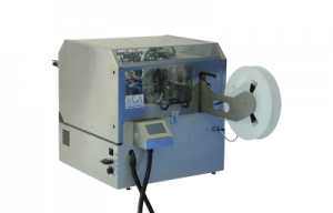 Machine de coupe et formage de capteurs de vitesse
